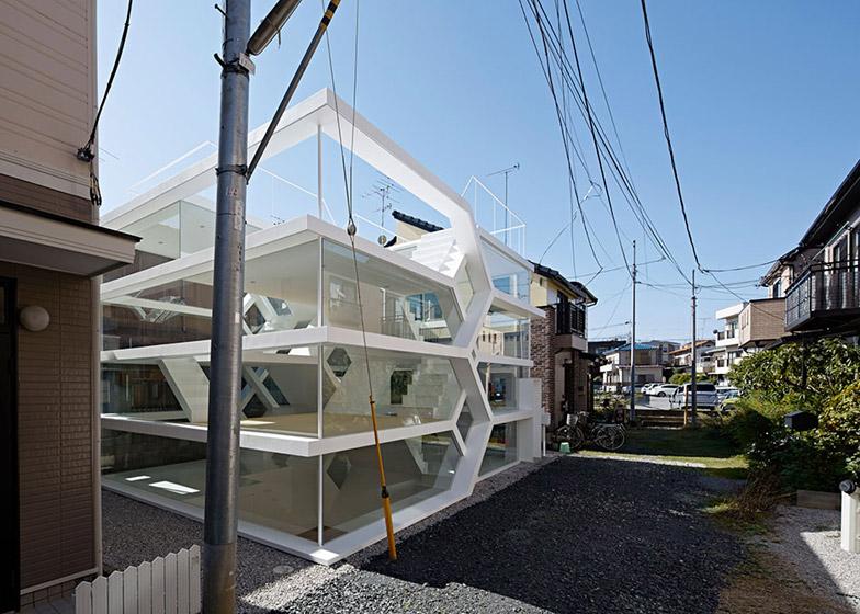 S_House_by_Yuusuke_Karasawa_dezeen_784_0
