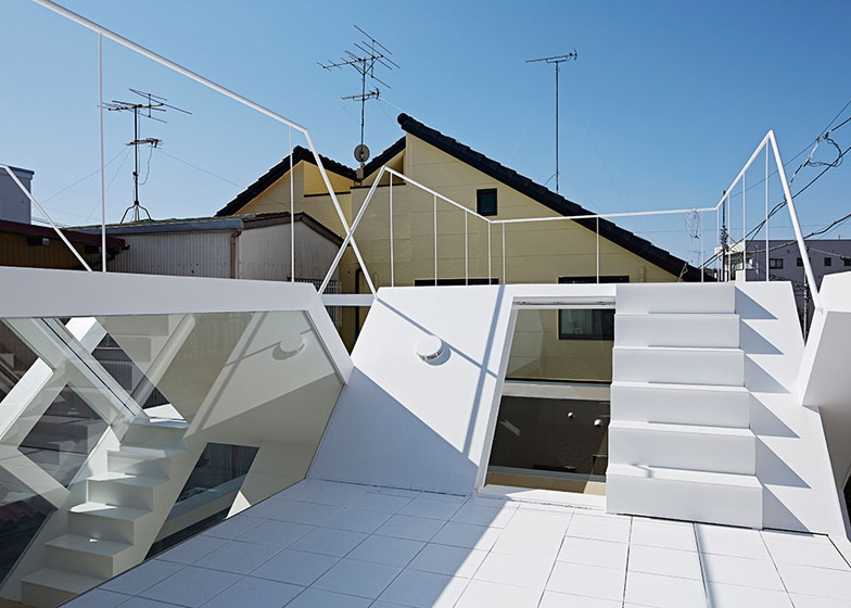 S_House_by_Yuusuke_Karasawa_dezeen_784_14