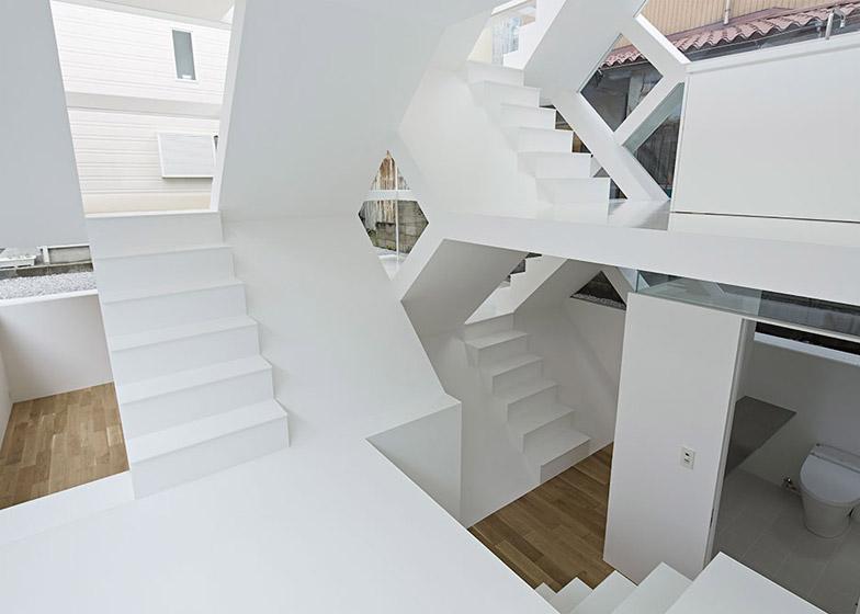 S_House_by_Yuusuke_Karasawa_dezeen_784_34