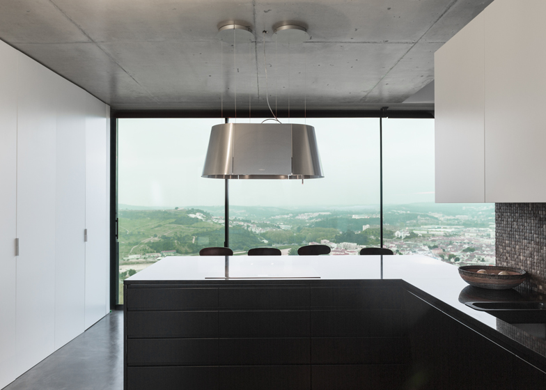 Varatojo-House-in-Portugal-by-Atelier-DATA_dezeen_ss_12