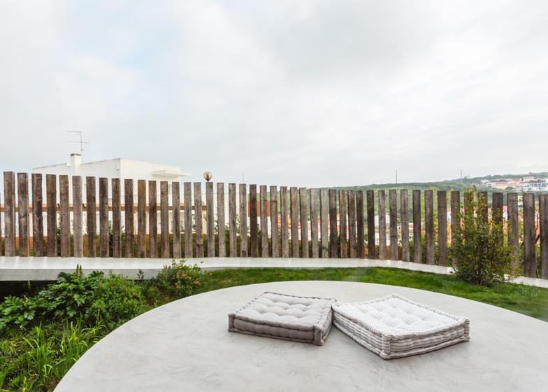 Varatojo-House-in-Portugal-by-Atelier-DATA_dezeen_ss_4