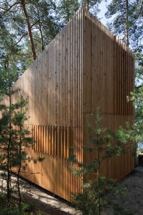 Lake-Cabin-by-FAM-Architekti_dezeen_468_11