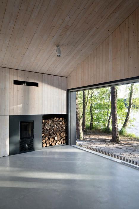 Lake-Cabin-by-FAM-Architekti_dezeen_468_20