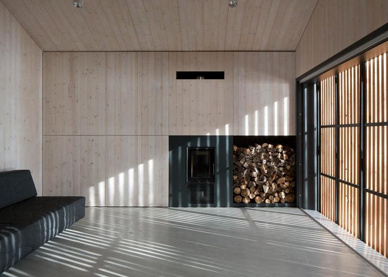 Lake-Cabin-by-FAM-Architekti_dezeen_784_15