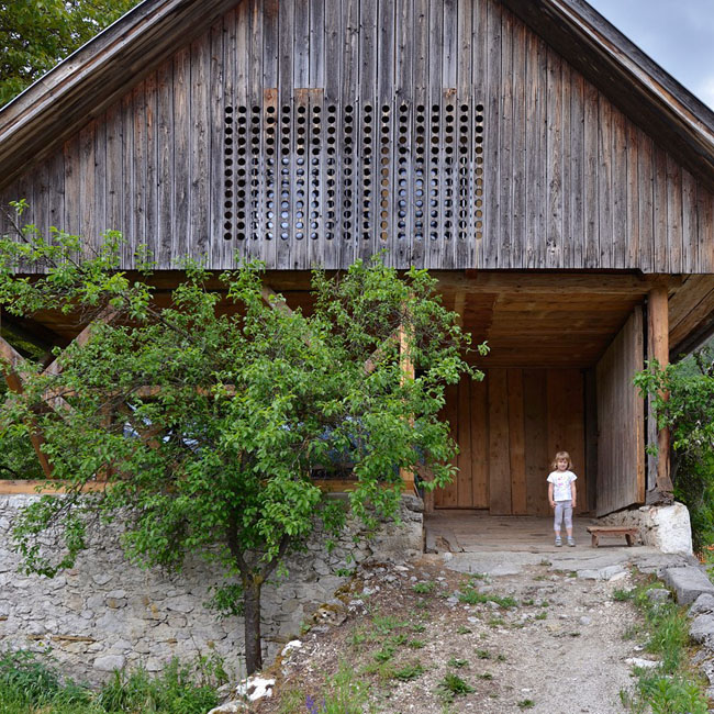 OFIS-alpine-barn-01