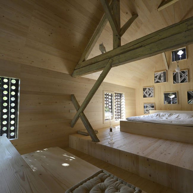 ofis-architects_alpine_barn_apartment_ofis_2015_foto-tomaz_gregoric_22