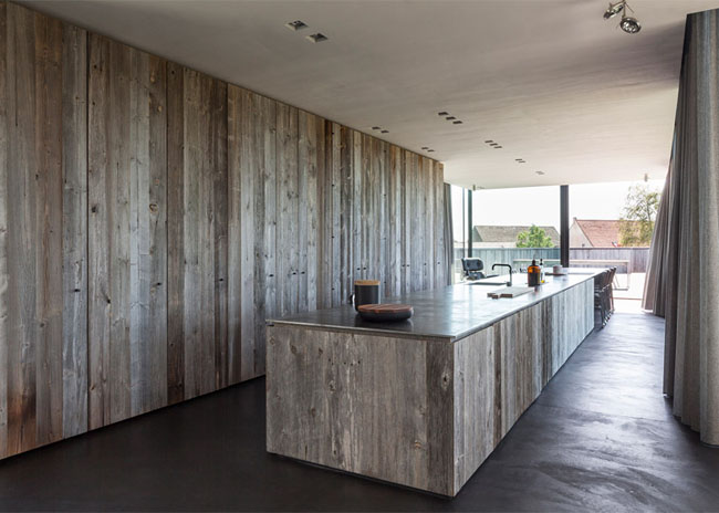 House-Graafjansdijk-by-GovaertVanhoutte-architects_dezeen_784_10