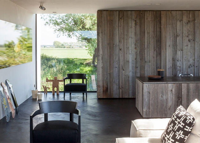 House-Graafjansdijk-by-GovaertVanhoutte-architects_dezeen_784_11