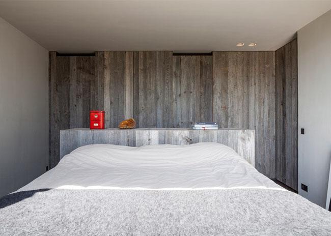 House-Graafjansdijk-by-GovaertVanhoutte-architects_dezeen_784_14