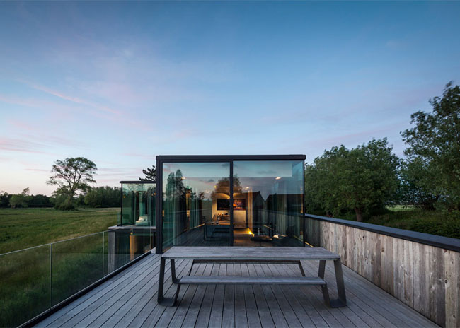House-Graafjansdijk-by-GovaertVanhoutte-architects_dezeen_784_19