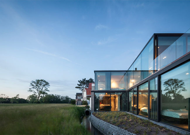 House-Graafjansdijk-by-GovaertVanhoutte-architects_dezeen_784_21