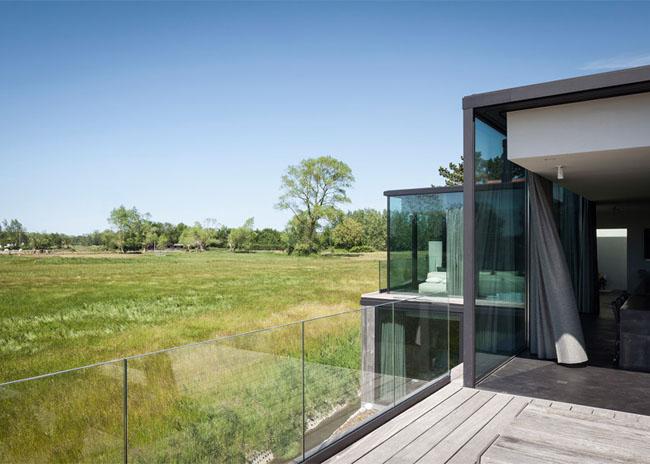 House-Graafjansdijk-by-GovaertVanhoutte-architects_dezeen_784_6