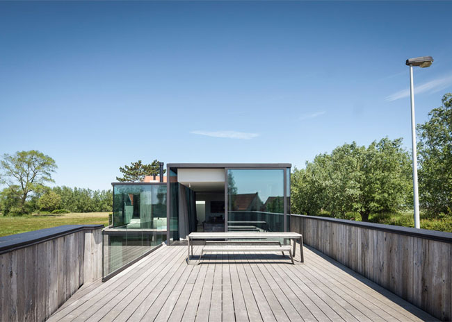 House-Graafjansdijk-by-GovaertVanhoutte-architects_dezeen_784_7