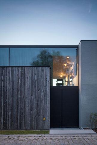 House-Graafjansdijk_Govaert-Vanhoutte-architects_dezeen_936_25