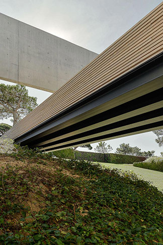 guedes-cruz-arquitectos-wall-house-13