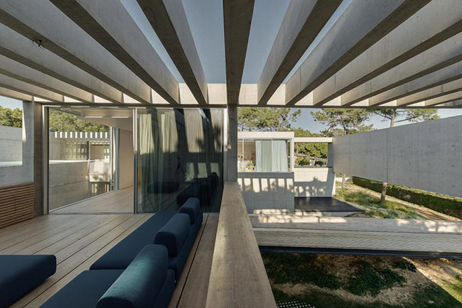 guedes-cruz-arquitectos-wall-house-29