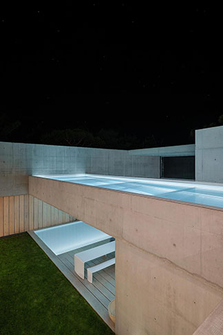 guedes-cruz-arquitectos-wall-house-32