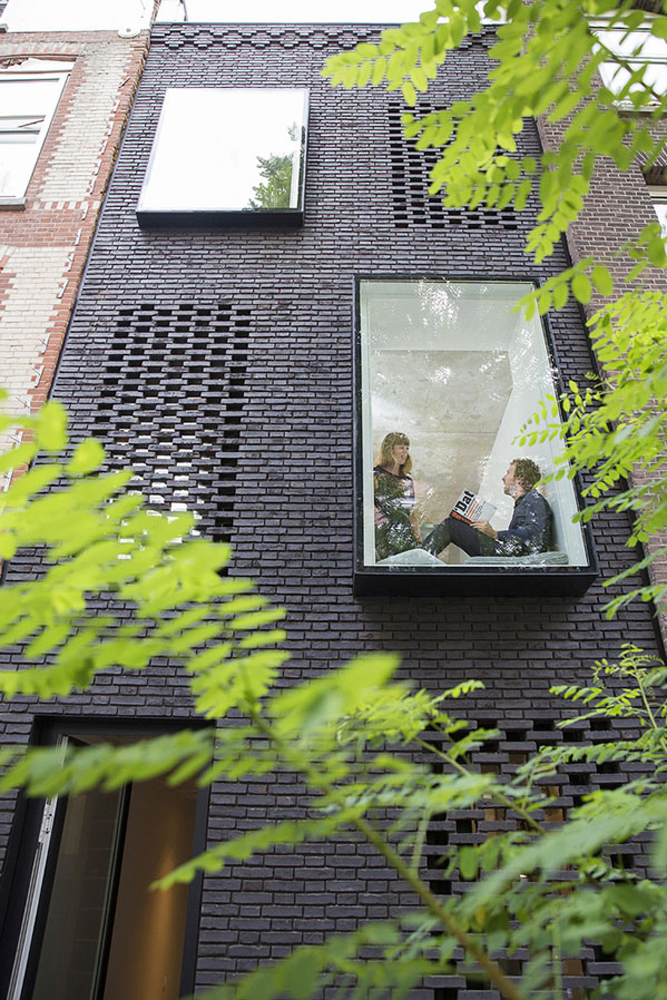 skinnySCAR-05_facade_(Vincent_van_Dordrecht)