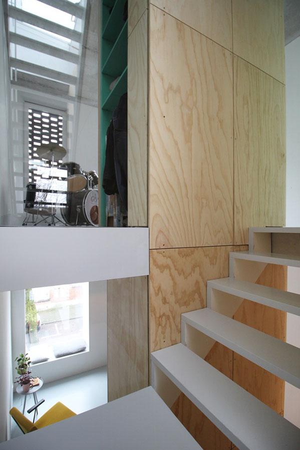 skinnySCAR-23_v1_stairs_vista