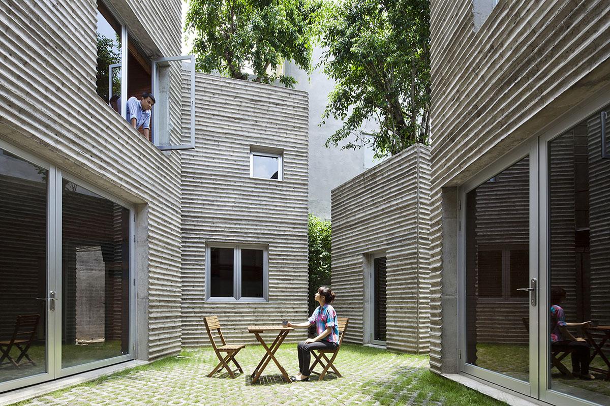 VTNA07_courtyard