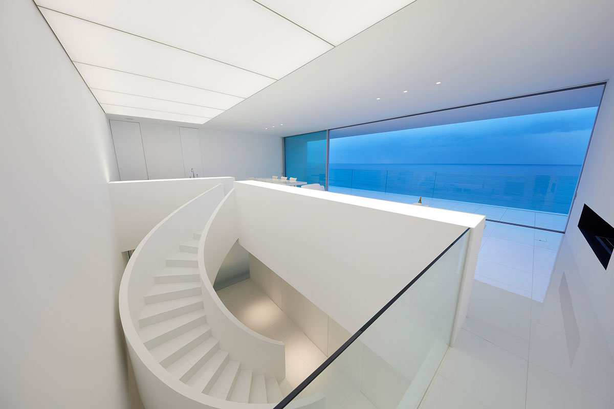 seaside-house-kanagawa-shinichi-ogawa-architecture-residential_dezeen_2364_col_17