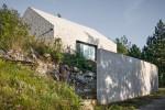 Tradycyjna współczesność czy współczesna tradycja? Dekleva Gregoric Arhitekti: Compact Karst House. (#21)
